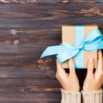 5 Gift Ideas For Coworkers